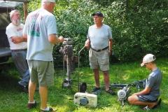 Randy, Gary and Mason check out Scott's bargains